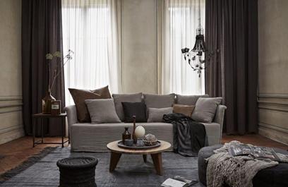 Transparante gordijnen wit woonkamer