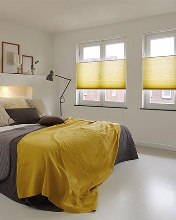 Duette® Gordijn In Geel In Slaapkamer