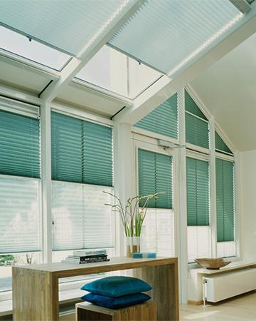 Verrassend Schuine ramen? Kies voor deze raamdecoratie - MrWoon Raamdecoratie ZR-58