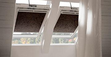 Schuine ramen? Kies voor deze raamdecoratie - MrWoon Raamdecoratie