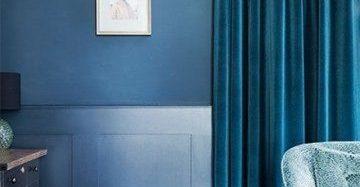 velours gordijn blauw