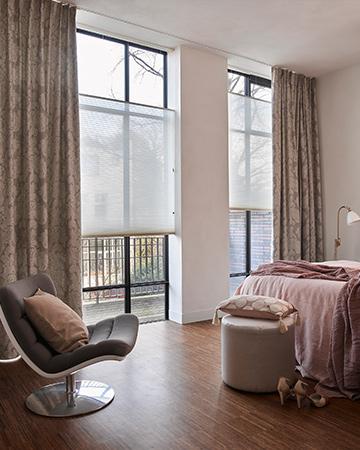 kies je raamdecoratie gordijnen met plissgordijnen