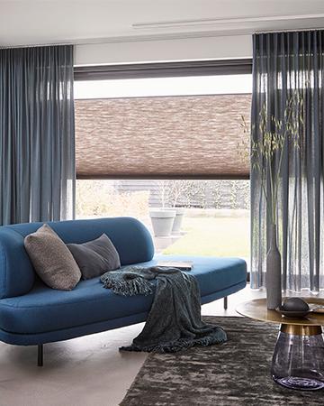 Verwonderlijk Nieuwe blog: Ga voor kleur in raamdecoratie - MrWoon Raamdecoratie TV-14
