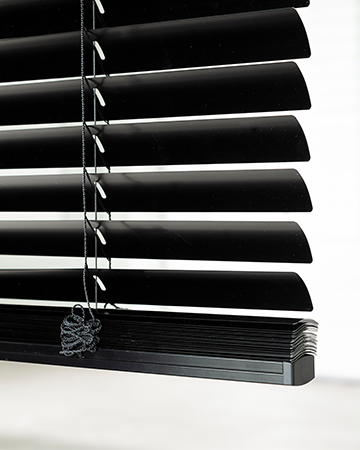 XL7 De Breedste Jaloezie Voor Elke Ruimte Jaloezie Scala XL7 Zwart Close Up